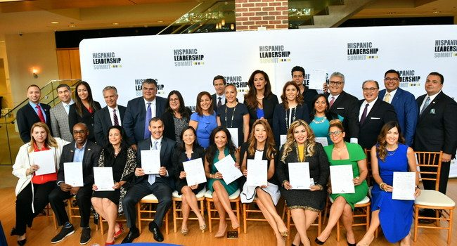 Companies in the USA commit to celebrating Hispanics in the workplace